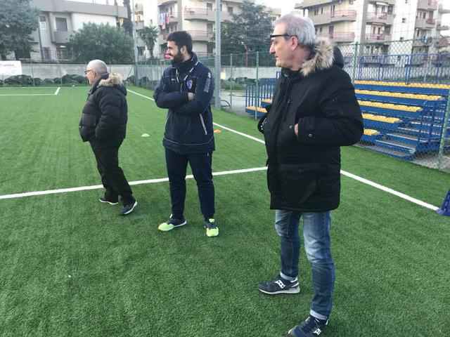 da sinistra, il direttore tecnico Vitale, il tecnico degli Esordienti Chisena e il presidente Bruno