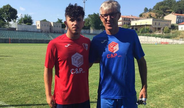 Il centrocampista Petruccetti e il tecnico Lazic, FOTO: FONTE WEB