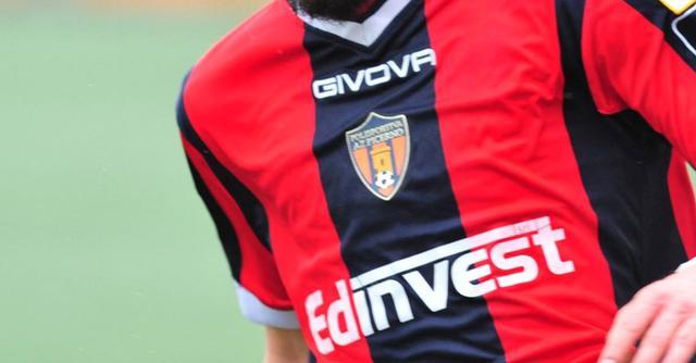 La maglia del Picerno, FOTO: ROCCO CAPECE
