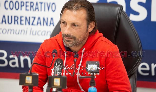 Il tecnico Giuseppe Raffaele, FOTO: CALCIOPOTENZA.EU