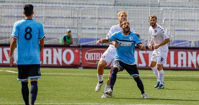 L'attaccante Fabio De Luca, FOTO: POTITO PRIORE PHOTOGRAPHER 2019