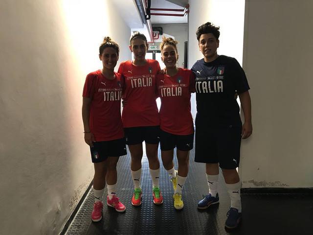 Da sinistra: Giuliano, Violi, Mansueto e Margarito con la maglia della nazionale italiana