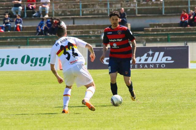Match Winner. D'Orazio ha firmato il successo del Cosenza sul campo della Sicula Leonzio - Foto Francesco Donato