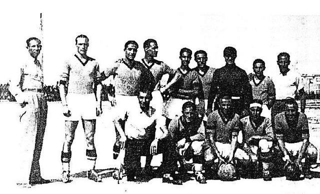 Una formazione del Cerignola 1934-35, campionato in cui ha affrontato il Taranto per la prima volta