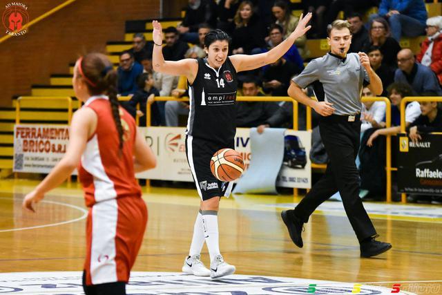 Valentina Siccardi. Prova lucida della capitana, top scorer della gara con 21 punti personali