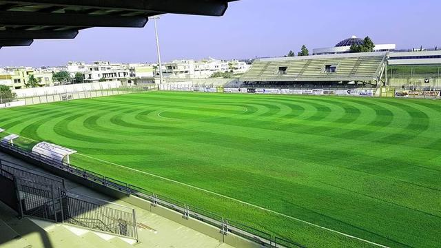 Il nuovo manto erboso dello stadio 'Giovanni Paolo II' di Nardò - Foto Nardò Granata