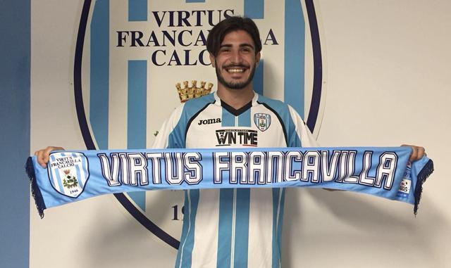 Alessandro Caporale con la maglia della Virtus Francavilla