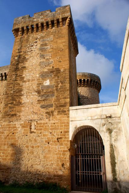 Il Castello De Falconibus di Pulsano (Taranto)