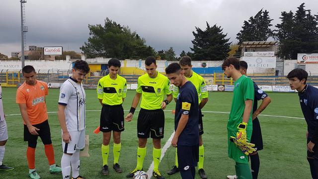 I capitani di Gravina e Fasano prima dell'inizio del match - Foto Fbc Gravina