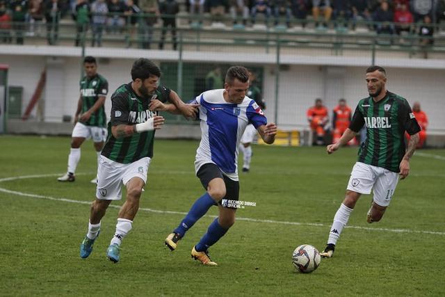 Enis Nadarevic, centrocampista del Fasano