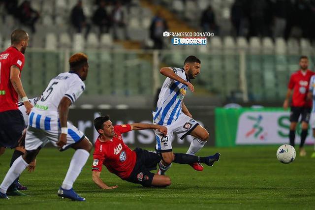 Una fase di Pescara-Cosenza 1-1
