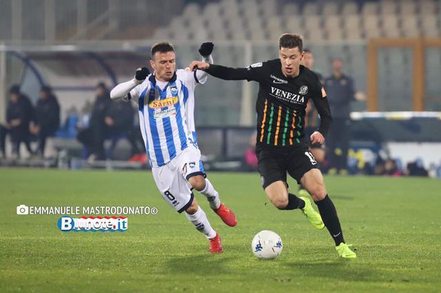 Un'immagine di Pescara-Venezia, vinta dagli abruzzesi per 1-0