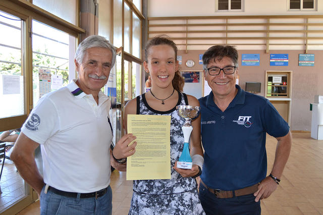 Francesca Viola con i giudici Enzo e Francesco Sferra
