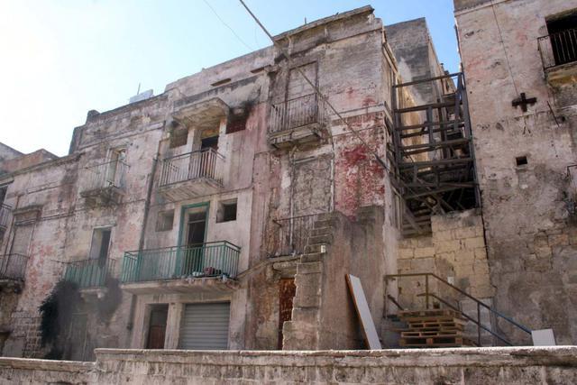 Alcuni stabili della città vecchia di Taranto