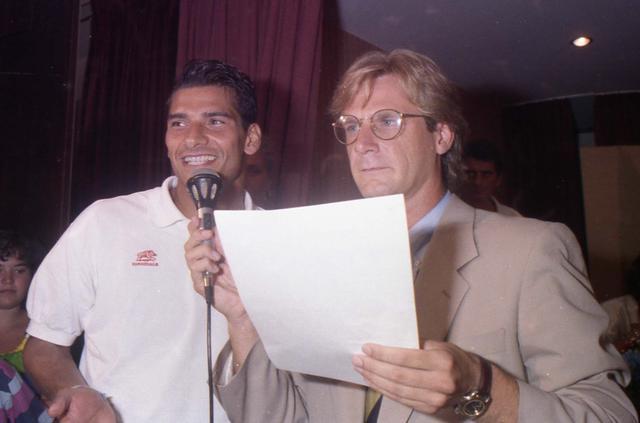 19/08/1992: Presentazione ufficiale del Taranto Calcio al Delfino. Un giovanissimo Gianni Sebastio con Pino Lorenzo