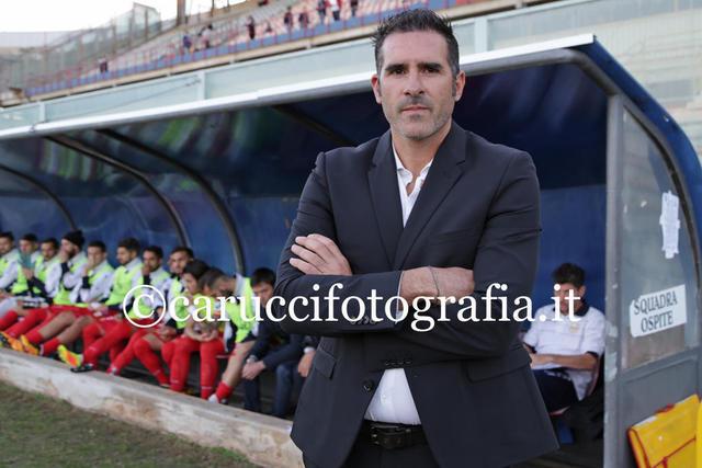 Cristiano Lucarelli, ha un contratto con il Catania fino al giugno del 2019
