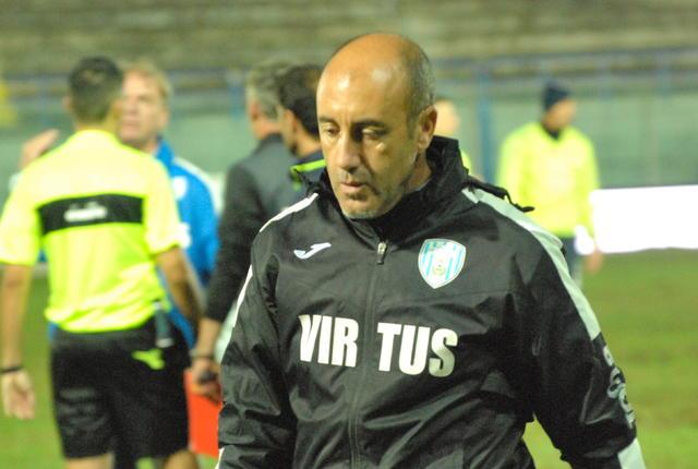 Nunzio Zavettieri, allenatore della Virtus Francavilla - Foto Gianni Di Campi