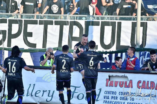 L'esultanza di Andrea Antenucci, attaccante del Brindisi, appiedato dal giudice sportivo