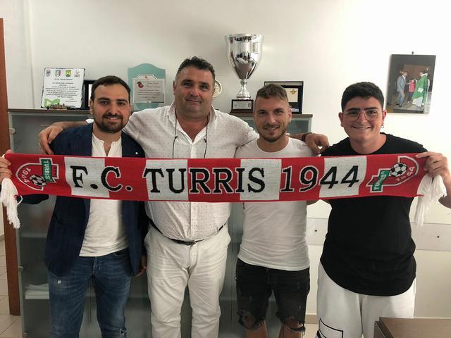 Da sinistra: Il diesse Governucci, il presidente Colantonio e Fabio Longo