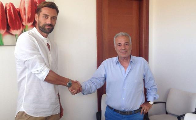 Il neo acquisto Gambino con il presidente Sciotto