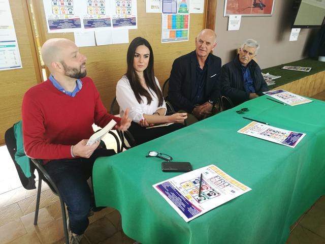 Da sinistra: Gli scrittori/giornalisti Giuseppe Di Cera e Alessandra Macchitella