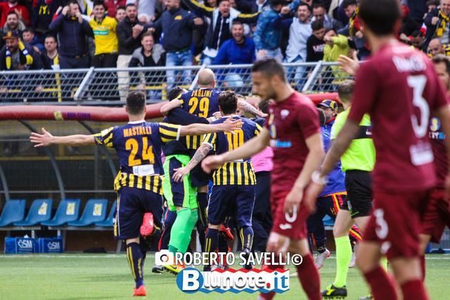 Lesultanza dei calciatori della Juve Stabia nel match casalingo col Trapani
