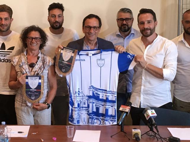 Il presidente Piero Lacarbonara (a dx) con il sindaco Franco Ancona e l'assessore Tiziana Schiavone