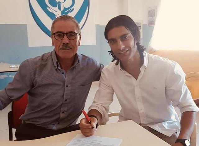 Il centrocampista Dino Marino con il dg Enzo Carbonella