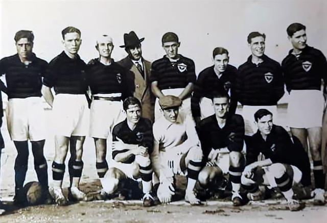 Una formazione del Taranto della stagione 1927/28