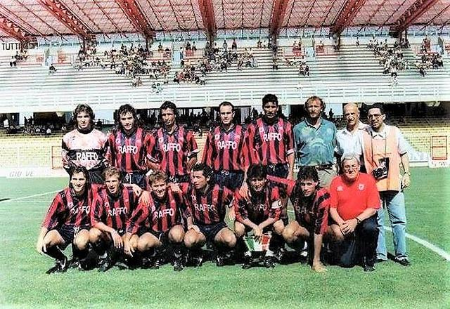L'ultima formazione del Taranto in Serie B - Foto Ninni Cannella