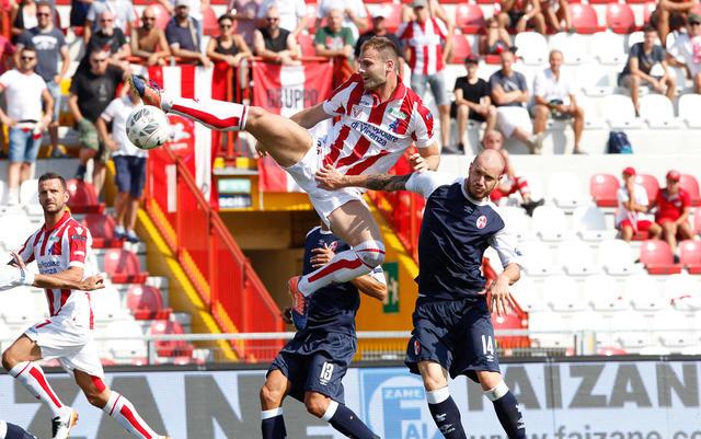 L'attaccante montenegrino Filip Raicevic