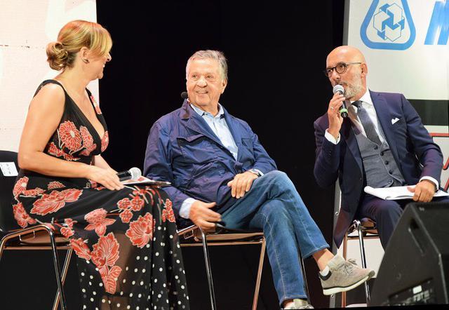 Renato Pozzetto con Debora Villa e Mauro Pulpito