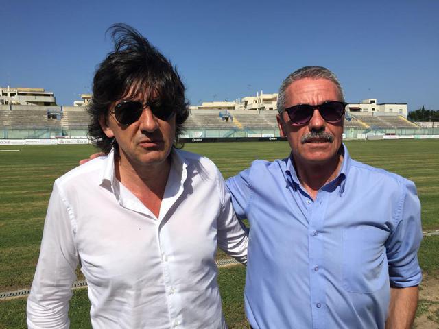 Il diesse Nicola Dionisio (a sx) e il dg Enzo Carbonella