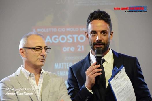 Da sinistra: Roberto De Lorenzo, patron del Premio Atleta di Taranto, e Matteo Schinaia, presentatore della serata