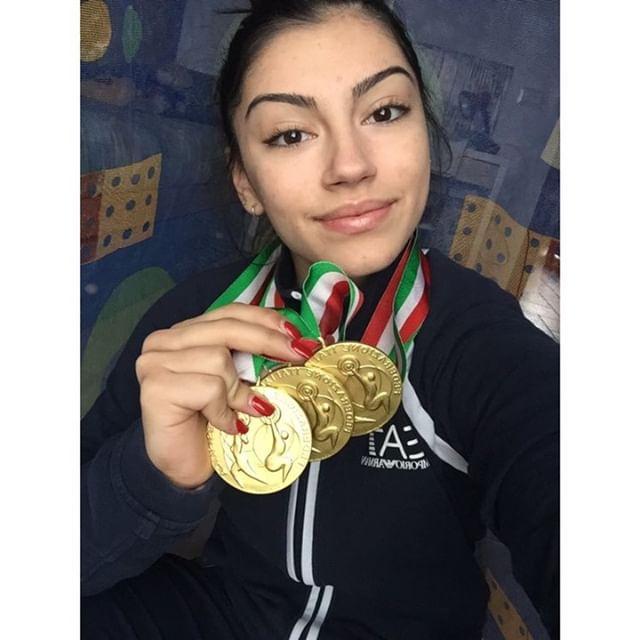 Giulia Imperio (Wellness Center Grottaglie) con le sue medaglie