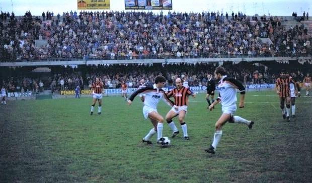 Stagione 1983/83: Foggia-Taranto 1-1, Bizzotto in azione