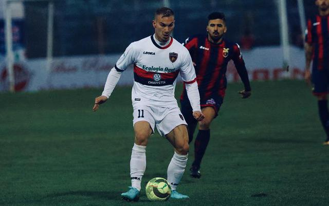 Leonardo Perez, attaccante del Cosenza - Foto Francesco Donato