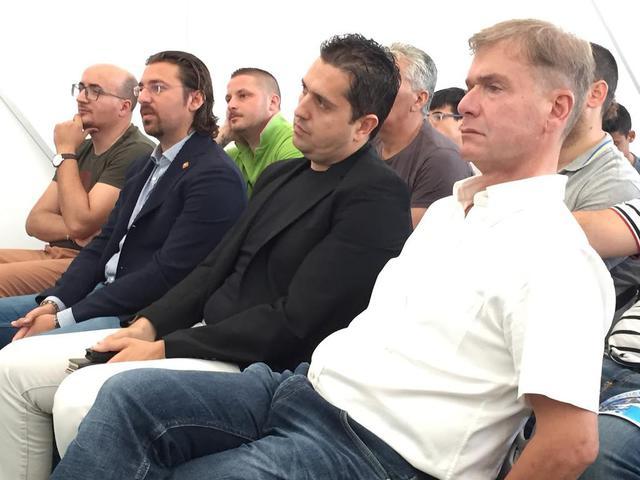 Gigi Valentini tra il presidente Antonio Magrì e il vicepresidente Tonino Donatiello