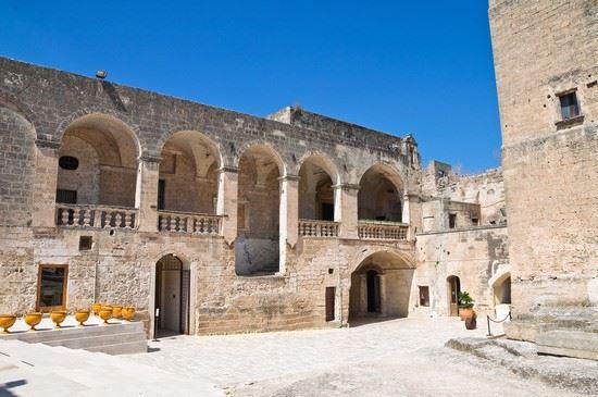Il Castello Episcopio di Grottaglie