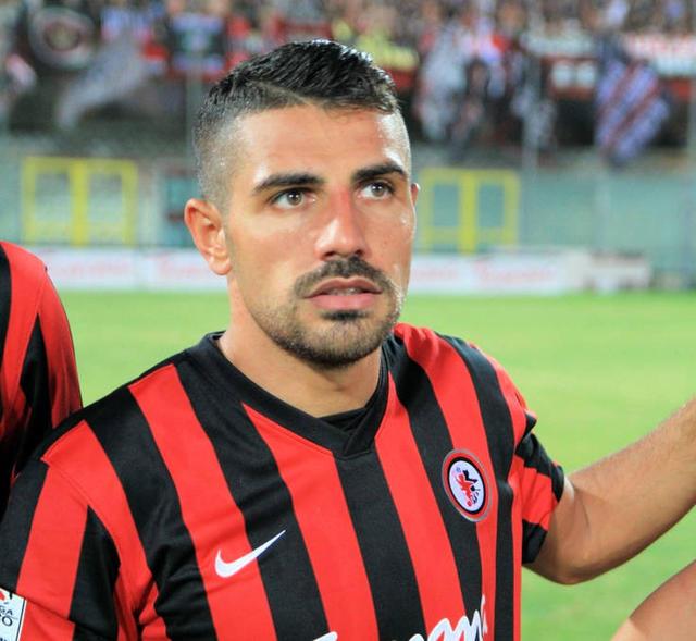 Antonio 'Tony' Letizia, qui con la maglia del Foggia, ha dei dubbi sul ritorno in Serie D