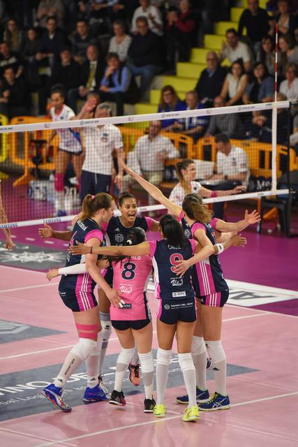 Savino Del Bene Volley travolgente: 3-0 a Novara!