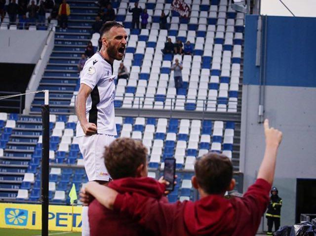 La gioia di Scappini dopo la rete del momentaneo 2-1 © Reggio Audace FC