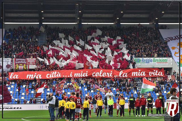 I Distinti aperti in occasione del derby Reggiana-Modena dello scorso aprile