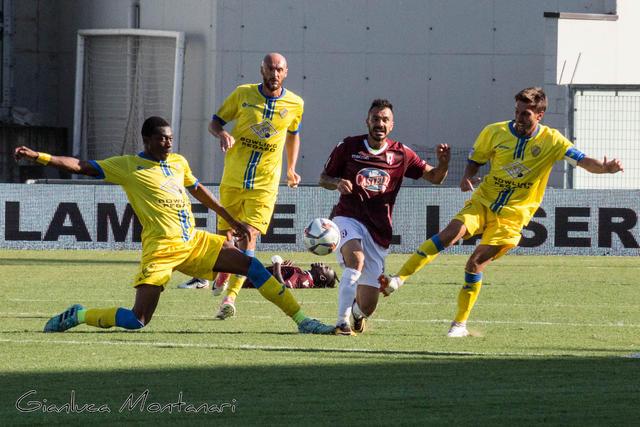 """I gialloblù in azione al """"Città del Tricolore"""" nel match dell'andata"""