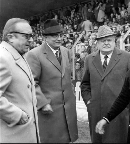 Degola (al centro) assieme a Carlo Visconti (sinistra) e Gino Lari (destra)