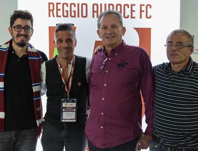 Claudio e Matteo Maffei di Nuova Elettro 90 insieme al Presidente della Reggio Audace Luca Quintavalli e all'amico tifoso Giuseppe