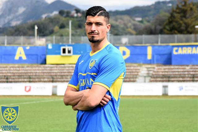 Il centrocampista Ivan Varone