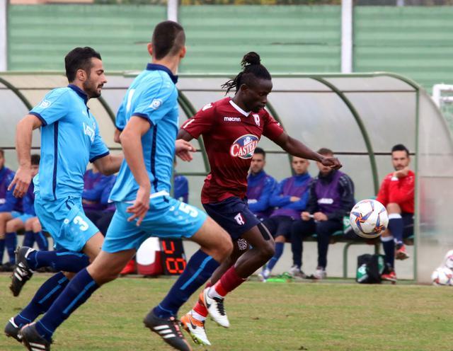 Un'azione del match di andata terminato 1-0 per i granata grazie al rigore trasformato da Zamparo