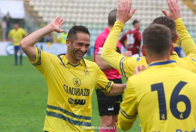 L'esultanza di Sansovini nel derby © Modena FC