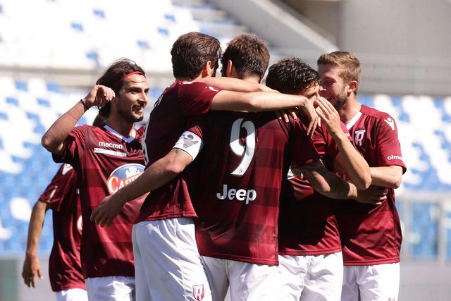 L'esultanza dopo la terza rete di Zamparo © Reggio Audace FC